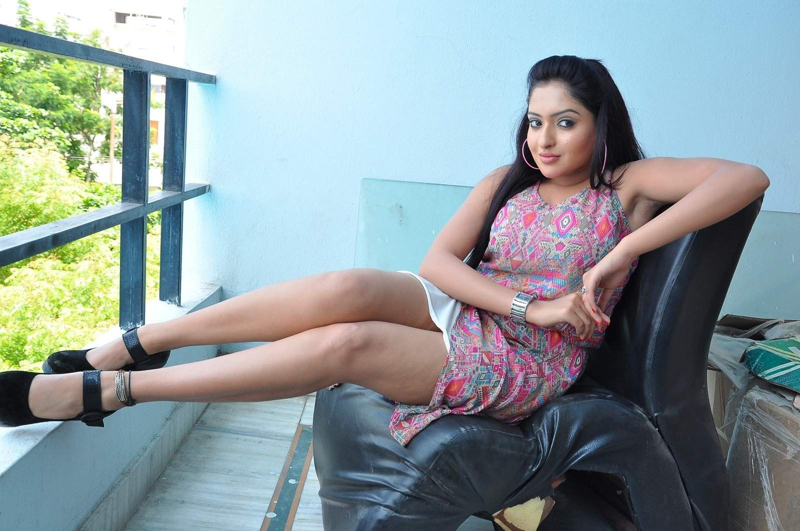 bollywood actresses hot thigh show collection very sexy legs