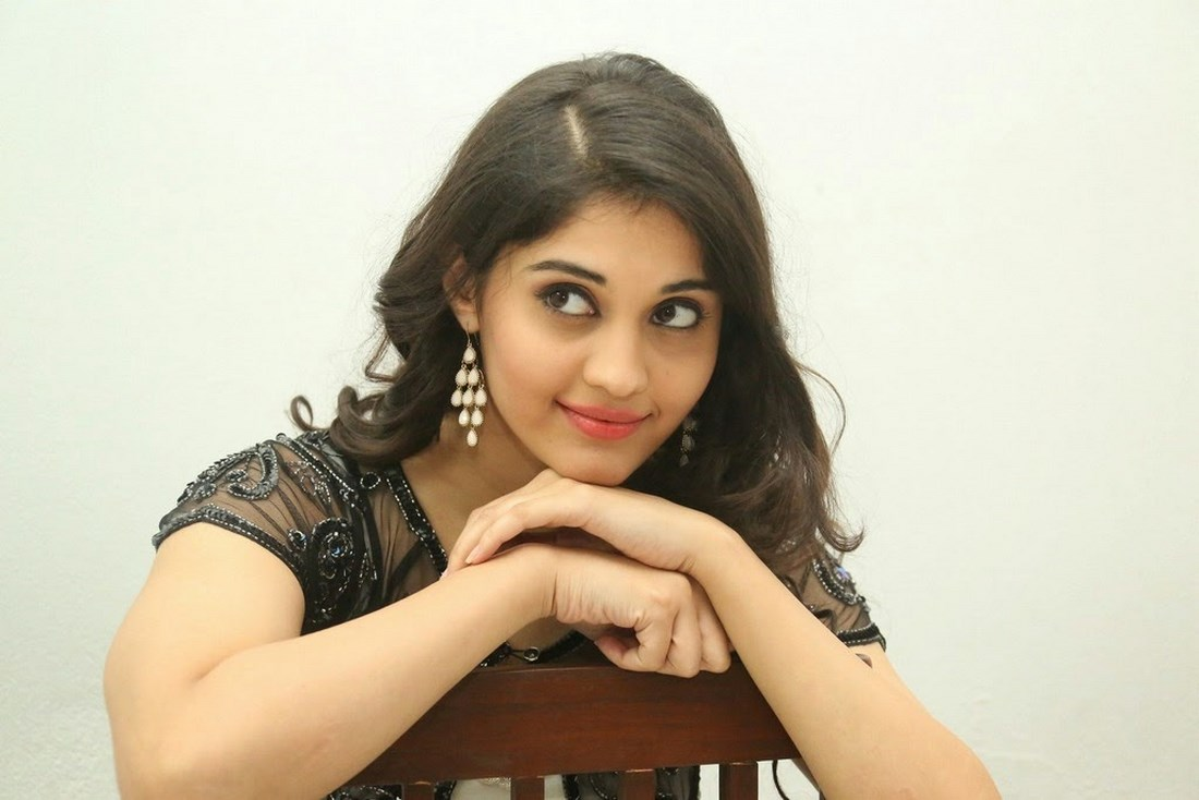 beautiful surabhi hottest legs and milky thighs exposing | welcomenri