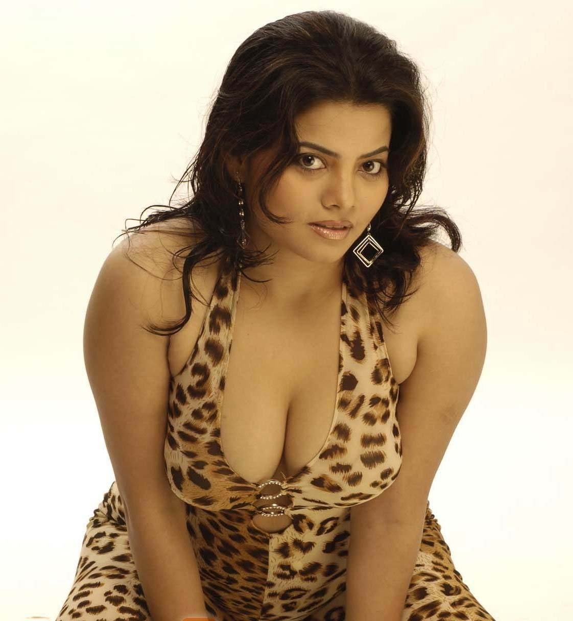 Hot actress sexy photos
