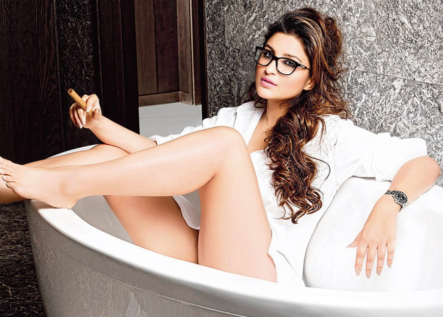 Bollywood actresses sexy legs and thighs