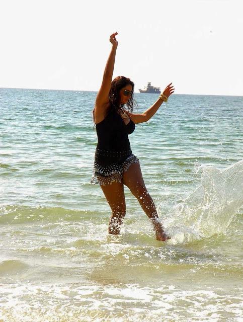 South Indian Actress Namitha Kapoor Hot Bikini Beach ...