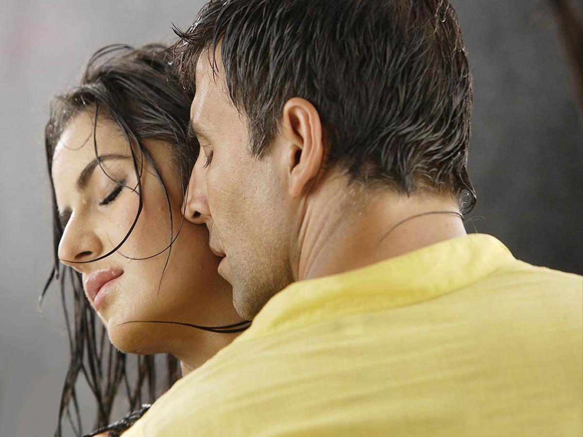 Hot Bollywood Love Making & Kissing Scenes