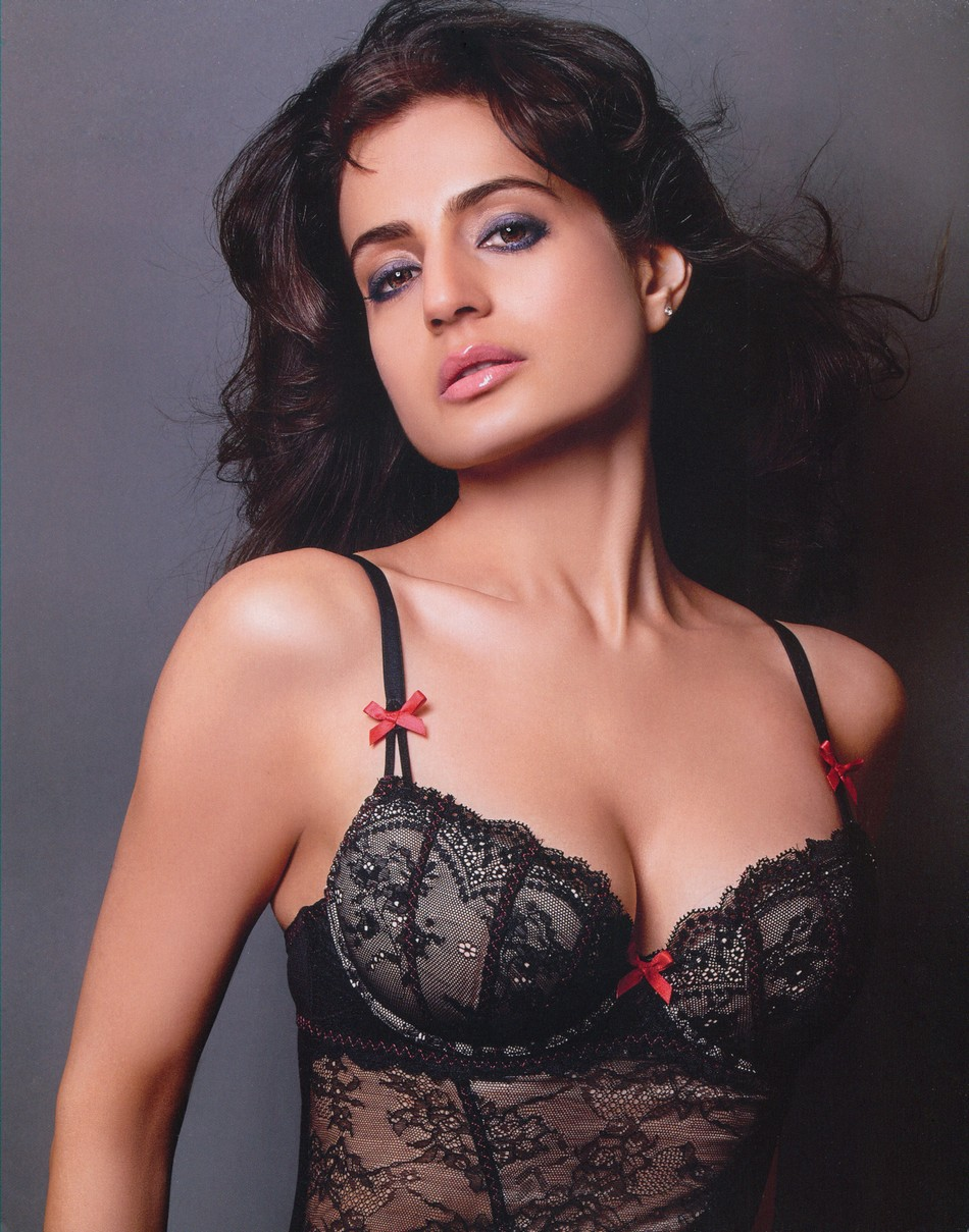 Amisha patel sexy hot photo