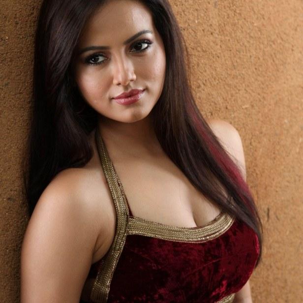 hot nude actress