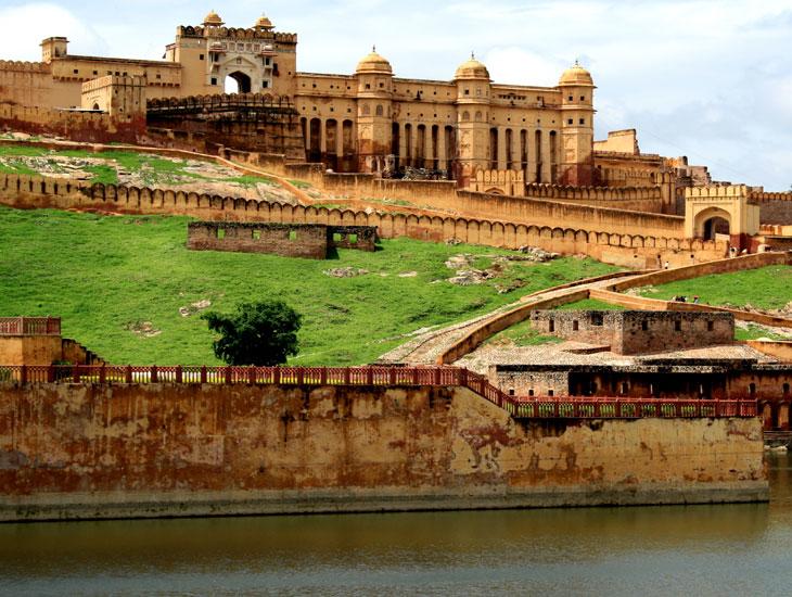 Top 10 Tourist Destinations in India | Welcomenri