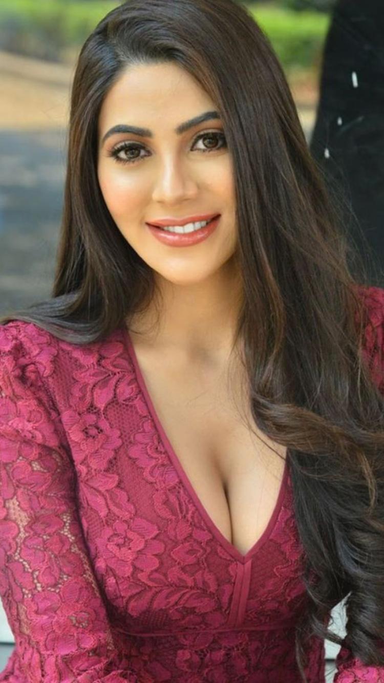 Bollywood Super Models | Beautiful Female Supermodels of